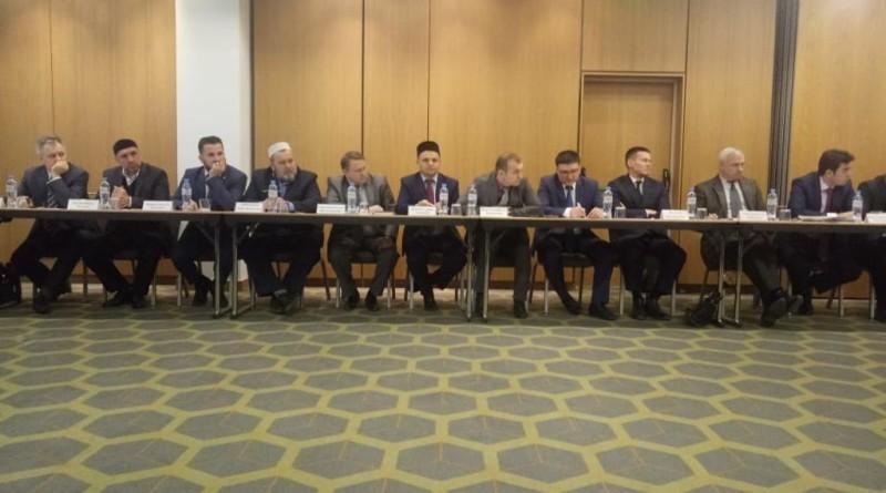21 марта директор «Медресе «Хусаиния» РДУМОо Альфит хазрат Шарипов принял участие в заседании Совета по исламскому образованию России.  Заседание проходило в Москве.