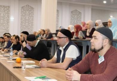 2 января преподаватель и студент очного отделения «Медресе «Хусаиния» РДУМОо приняли участие в мусульманском форуме «30/40 Перезагрузка 2020».