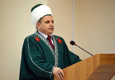 Председатель РДУМОо, муфтий, директор «Медресе «Хусаиния» Альфит хазрат Шарипов поздравил верующих с наступлением ночи Бараат